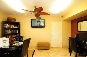 Scottsdale Park Suites room